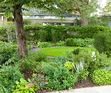 Dianne's Gardening in Wells nch: Shade plantings with Tom Spencer on hosta and daylily garden, hosta and caladium garden, hosta garden plans blueprints, hosta and hydrangea garden,