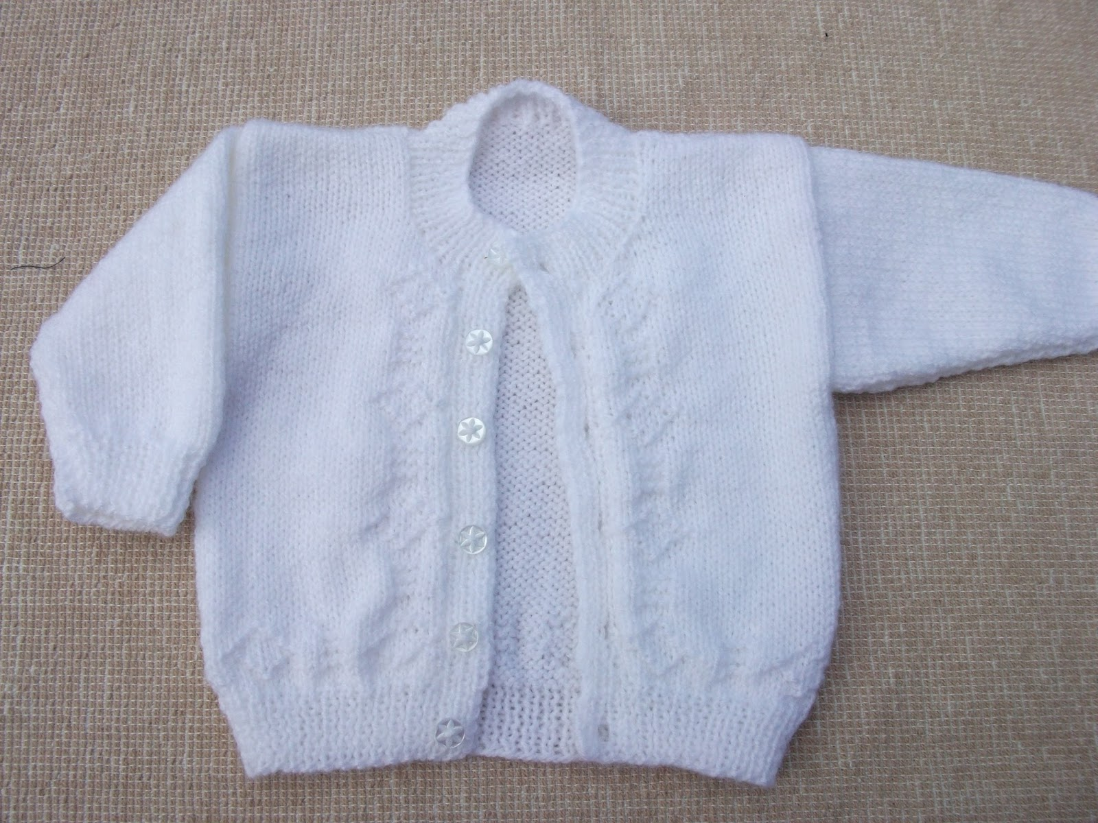 Quick Baby Cardigan Knitting Pattern : .Lindas Crafty Corner: Cute Baby Cardigan and yet another Owl!
