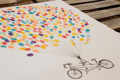Bleu de Toi small custom bike with balloons