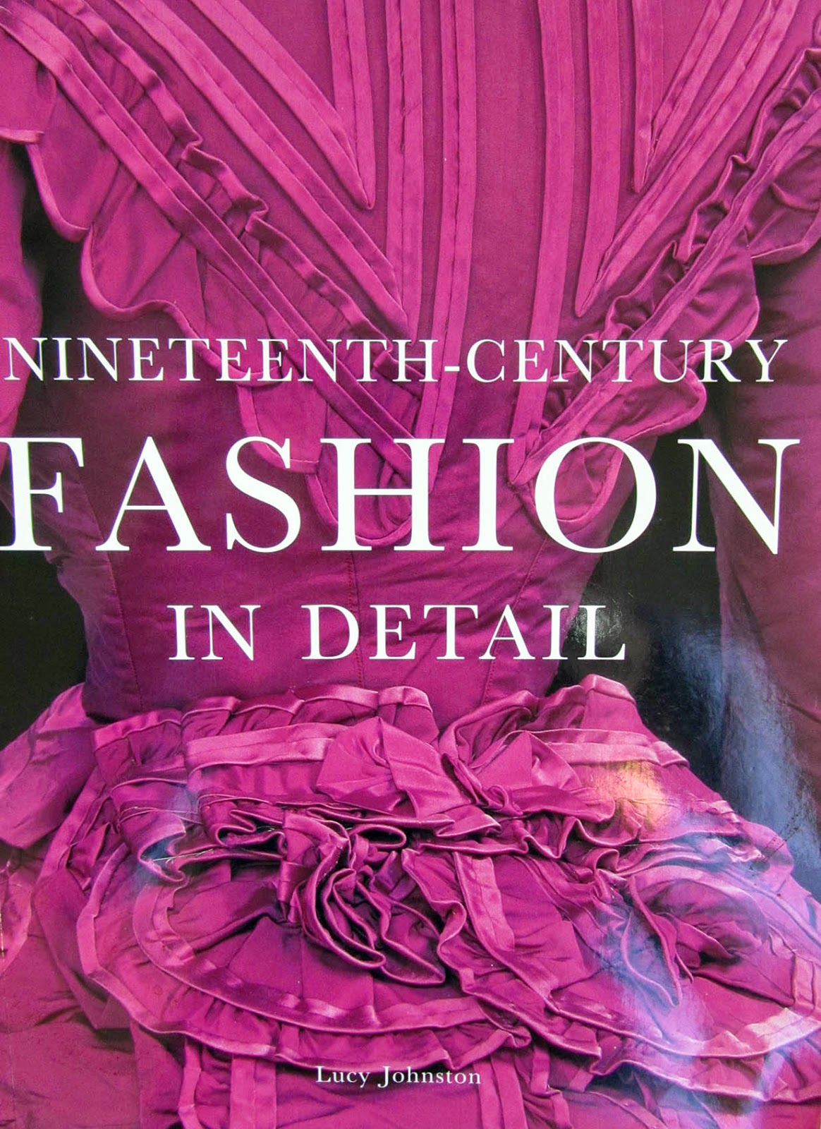 book: Fashion in detail