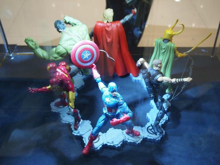 Super Punch Walmart Exclusive 6 Avengers set