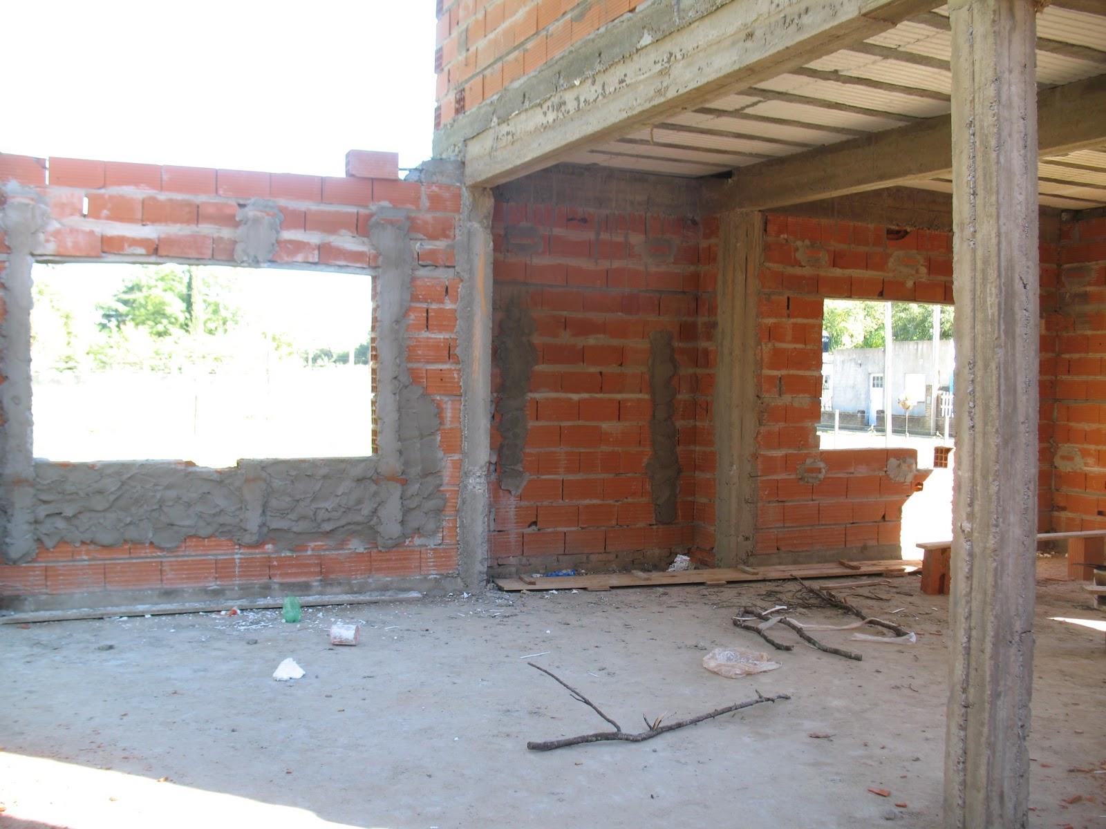 El maestro de obras xavier valderas construir un muro de for Construccion de piscinas con ladrillos