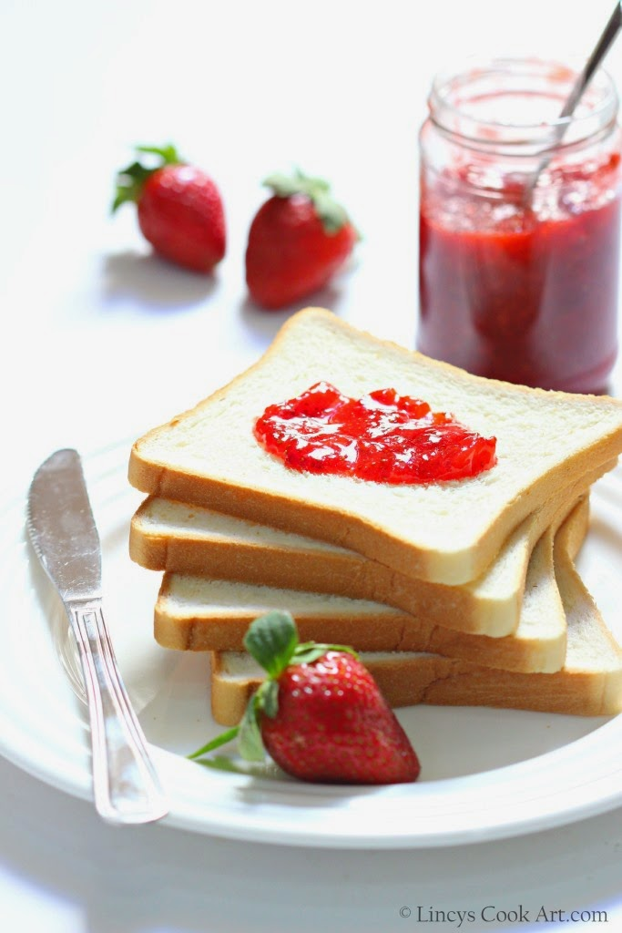 Strawberry jam without pectin or any preservative