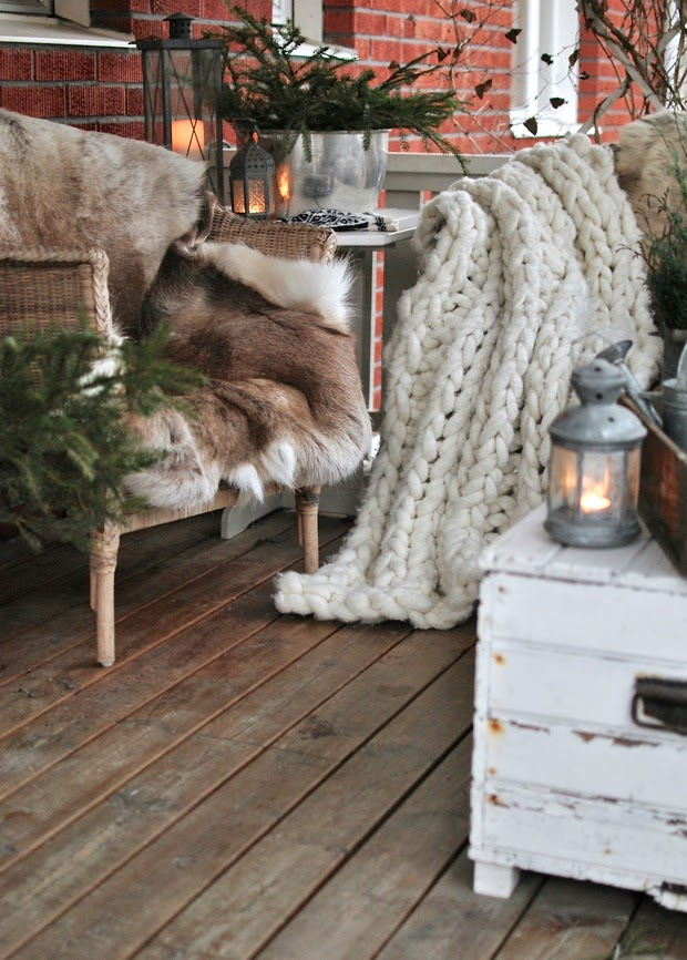 renfäll ullpläd modernwool veranda julinspiration
