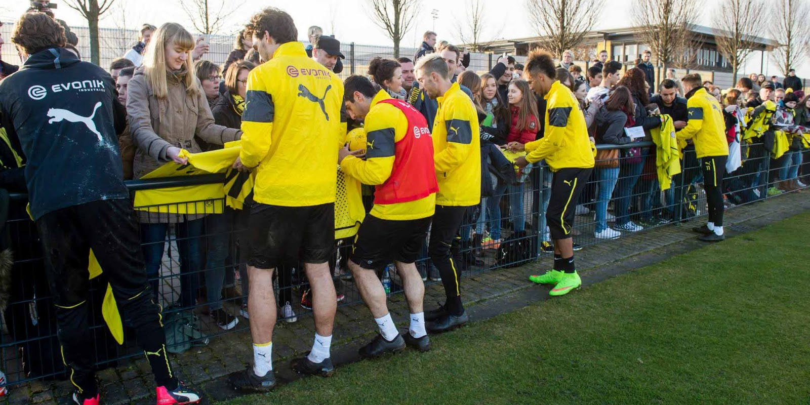 BVB Stars Train in 2015 Prototype Boots - What Are They Wearing ...