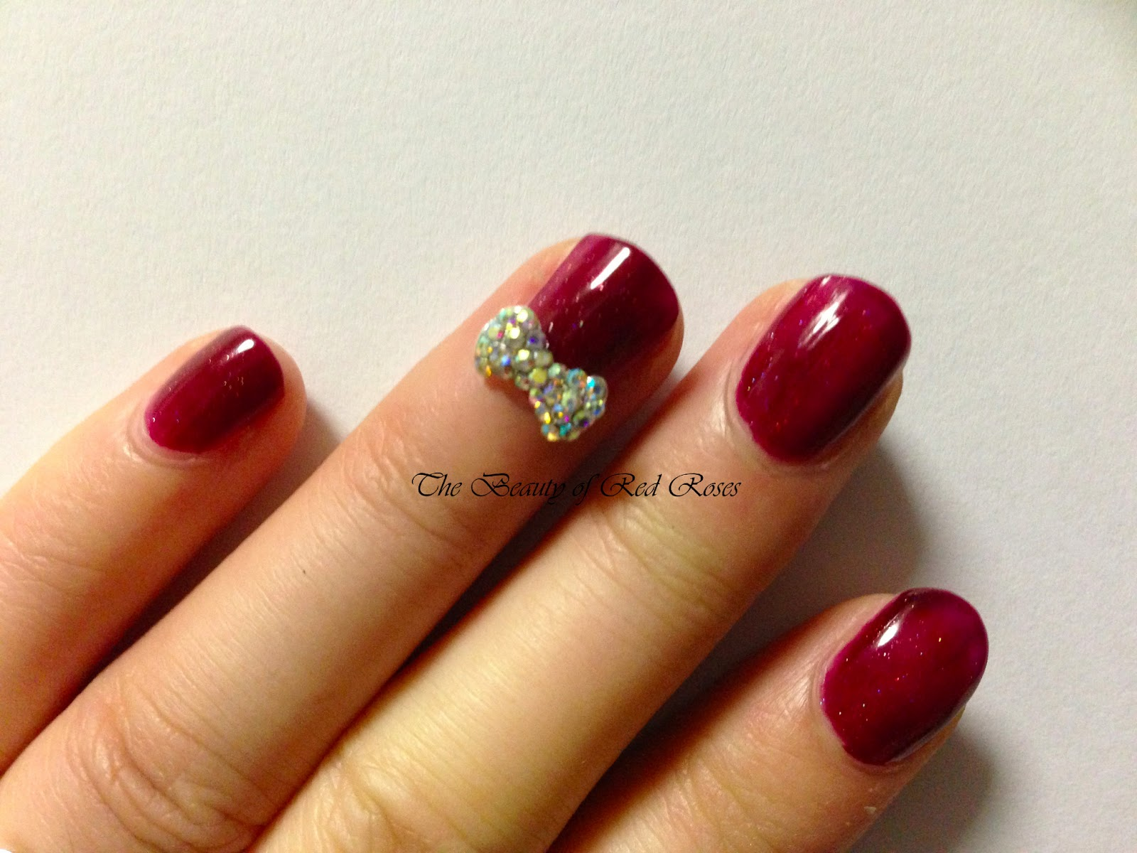 The Beauty of Red Roses: Kit Cosmetics Diamond Nail Bows
