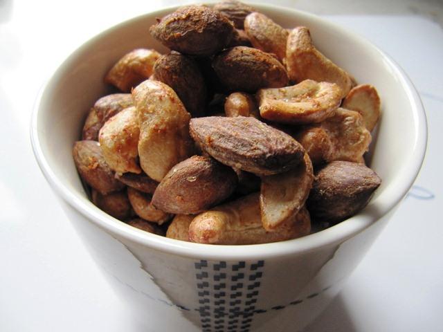 saltede mandler opskrift