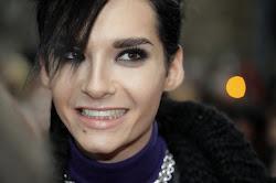su sonrrisa me mata  ♥