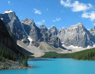 Tourist Attractions In Canada You Must See:World Tourist Attractions