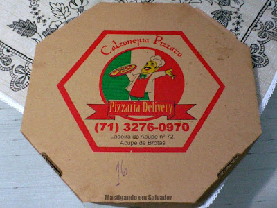 Ifood.com.br: A caixa da Pizza meia Vegetariana meia Lombo da Calzoneria Pizzato