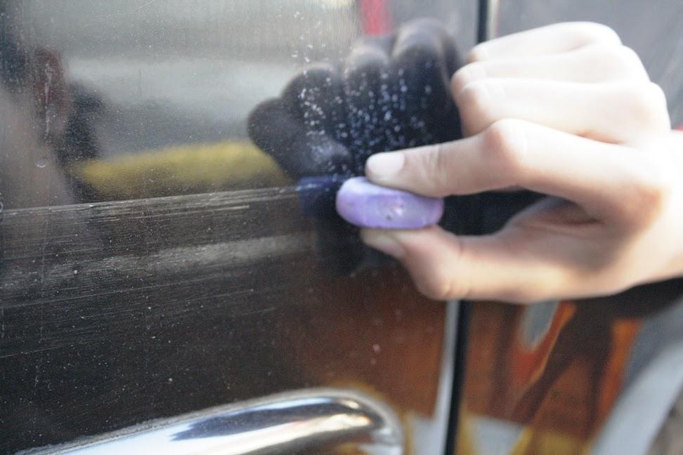 Regular eraser , removes scratches , simple tool removes scratches , simple way , vehicle scratched