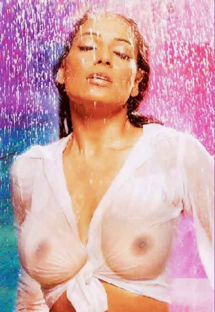 slideshow for samina peerzada nude and naked images size all 800 x 553
