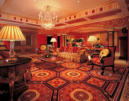 World visits burj al arab hotel in dubai suite and interior for Most expensive suite in dubai