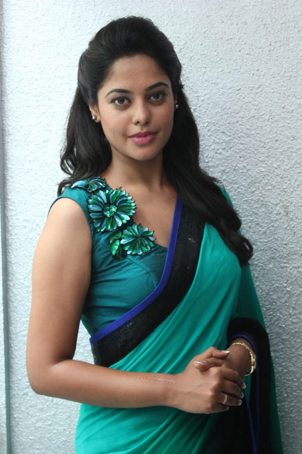 1000 x 1502 jpeg 240kB, Tamil Blue Film Actress Raja tamil film press ...