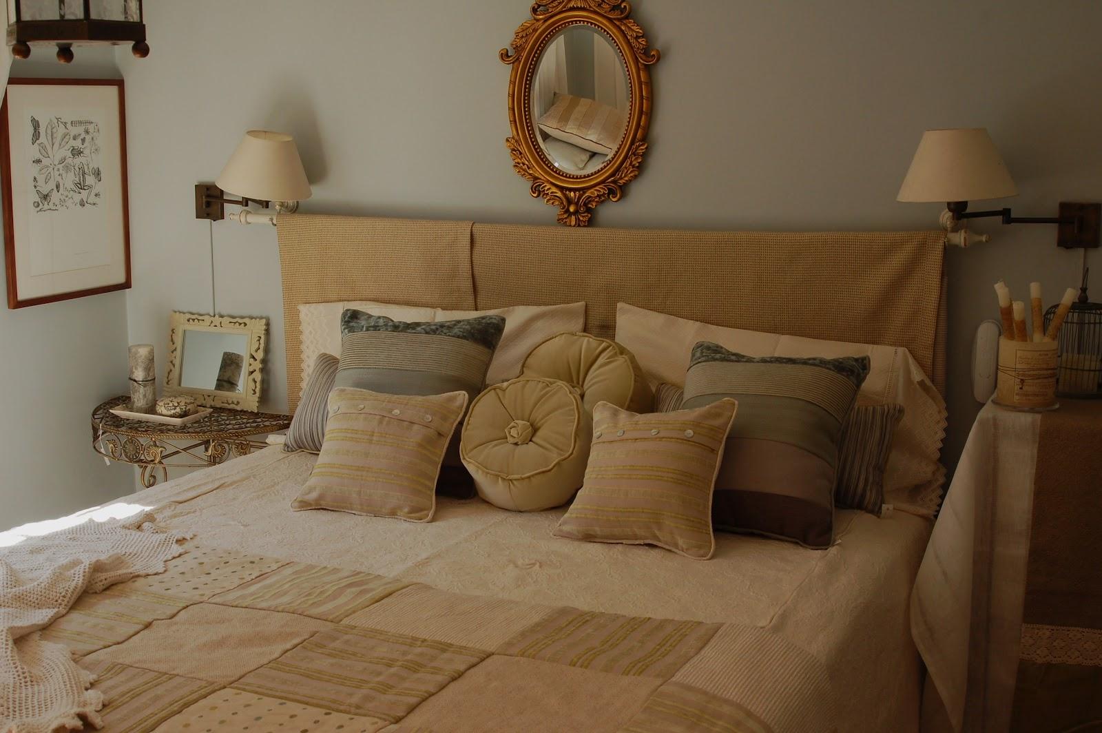 Paz montealegre decoraci n ropa de cama pieceras cubrecamas cojines faldones - Cojines redondos ...