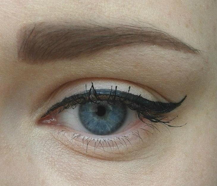 Makeup Revolution Amazing Eyeliner (Waterproof) on eye