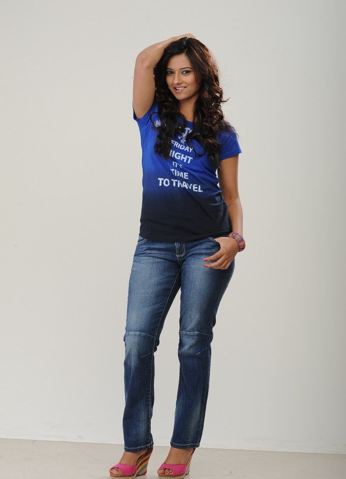 Actress Isha Chawla  in Jeans Photos