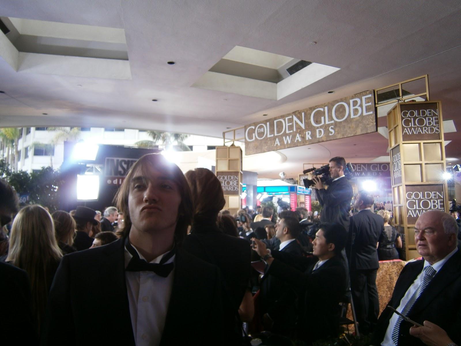 http://2.bp.blogspot.com/-ClfSZ3jFh3A/TxP5u_ksKzI/AAAAAAAAAno/GVnEKF7wSTE/s1600/LOGAN+YUZNA+GOLDEN+GLOBES+2012.JPG