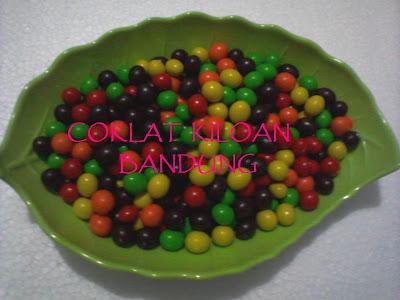 Coklat Kiloan Murah - choco balls warna ( L'AGIE)