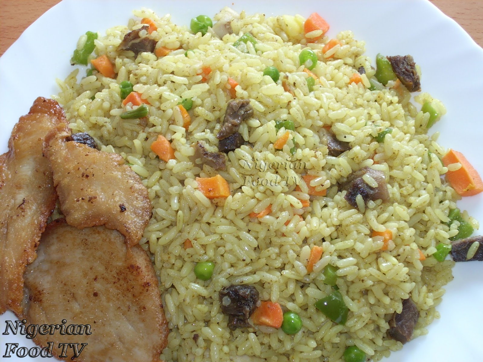 Fried Rice, how to cook Nigerian fried rice,make nigerian fried rice ...
