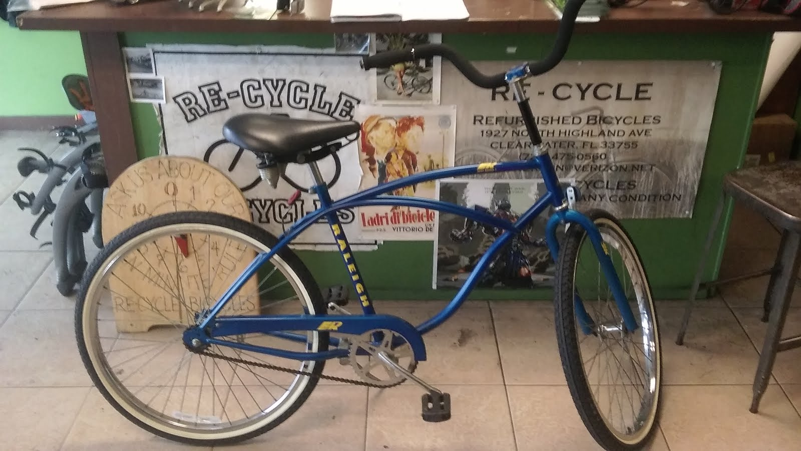 classic mens Raleigh cruiser