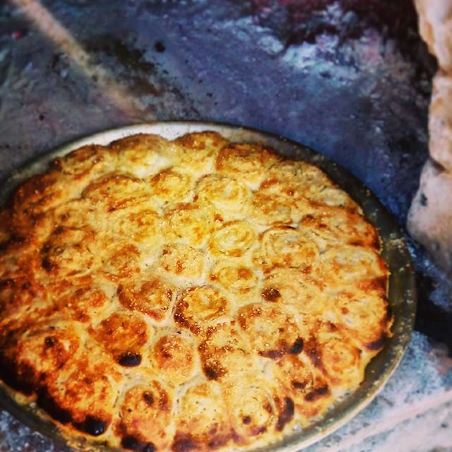 garlic herb parmesan rolls - lacasadeleslie.com