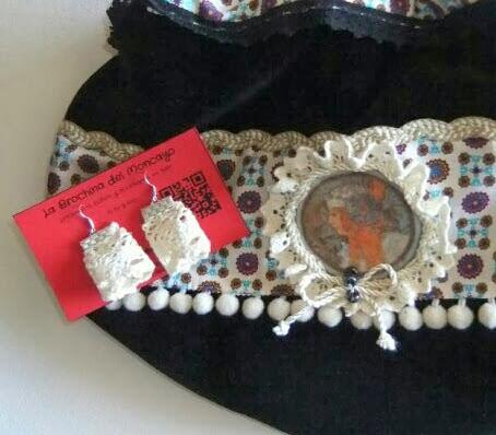 Bolso con boquilla metalica en terciopelo negro