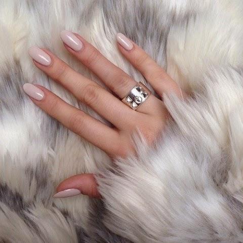 Natūralios priemonės atgaivinančios rankų odą