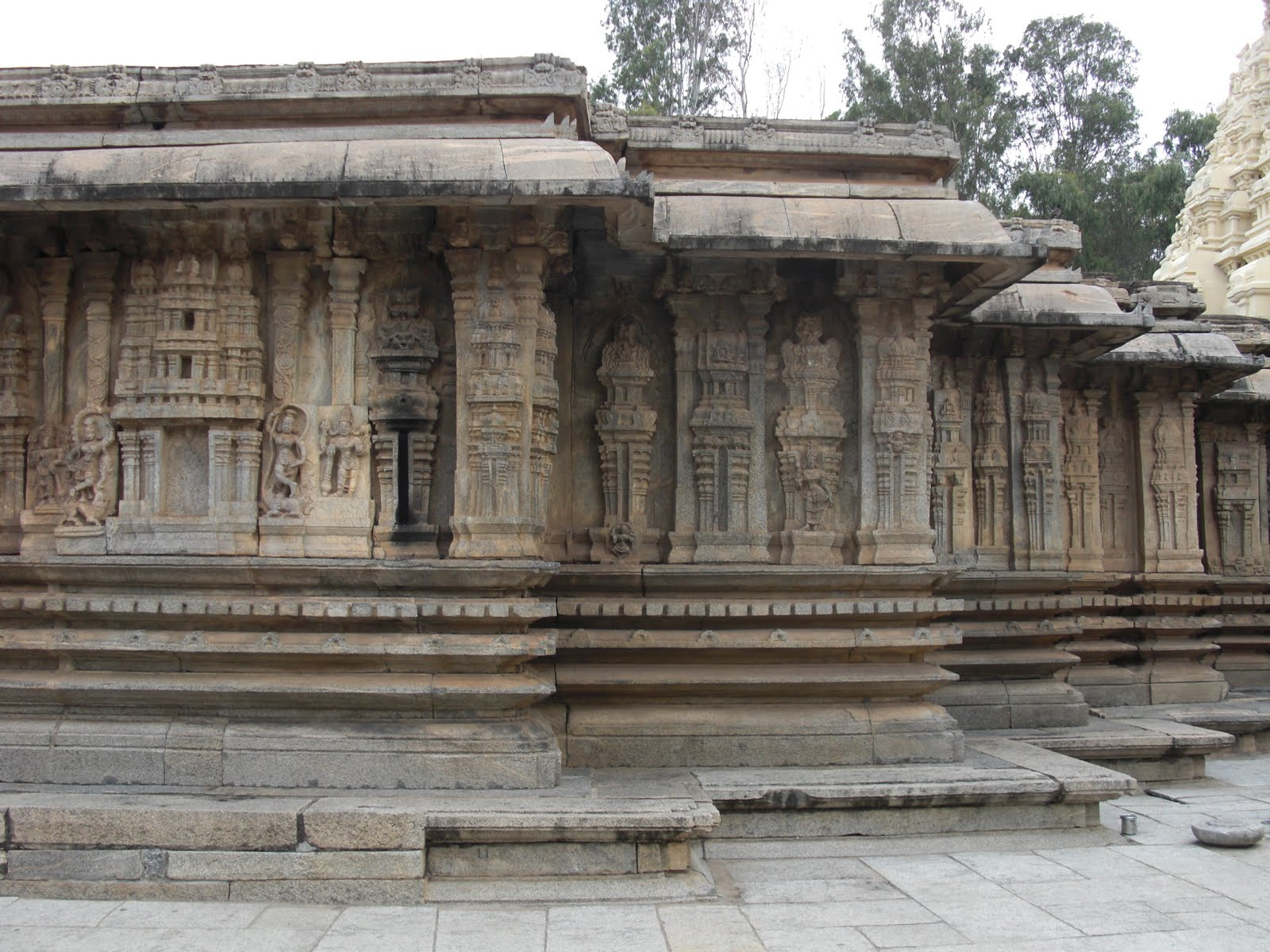 dravidian architecture Dravidian architecture dravidian architecture was a style of architecture that emerged thousands of years ago in the southern part of the indian subcontinent or south india, built by the.