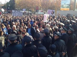 Ja cilat rrugë bllokohen nesër nga protesta e PD