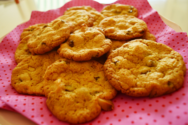 chocolate chip and macadamia cookies