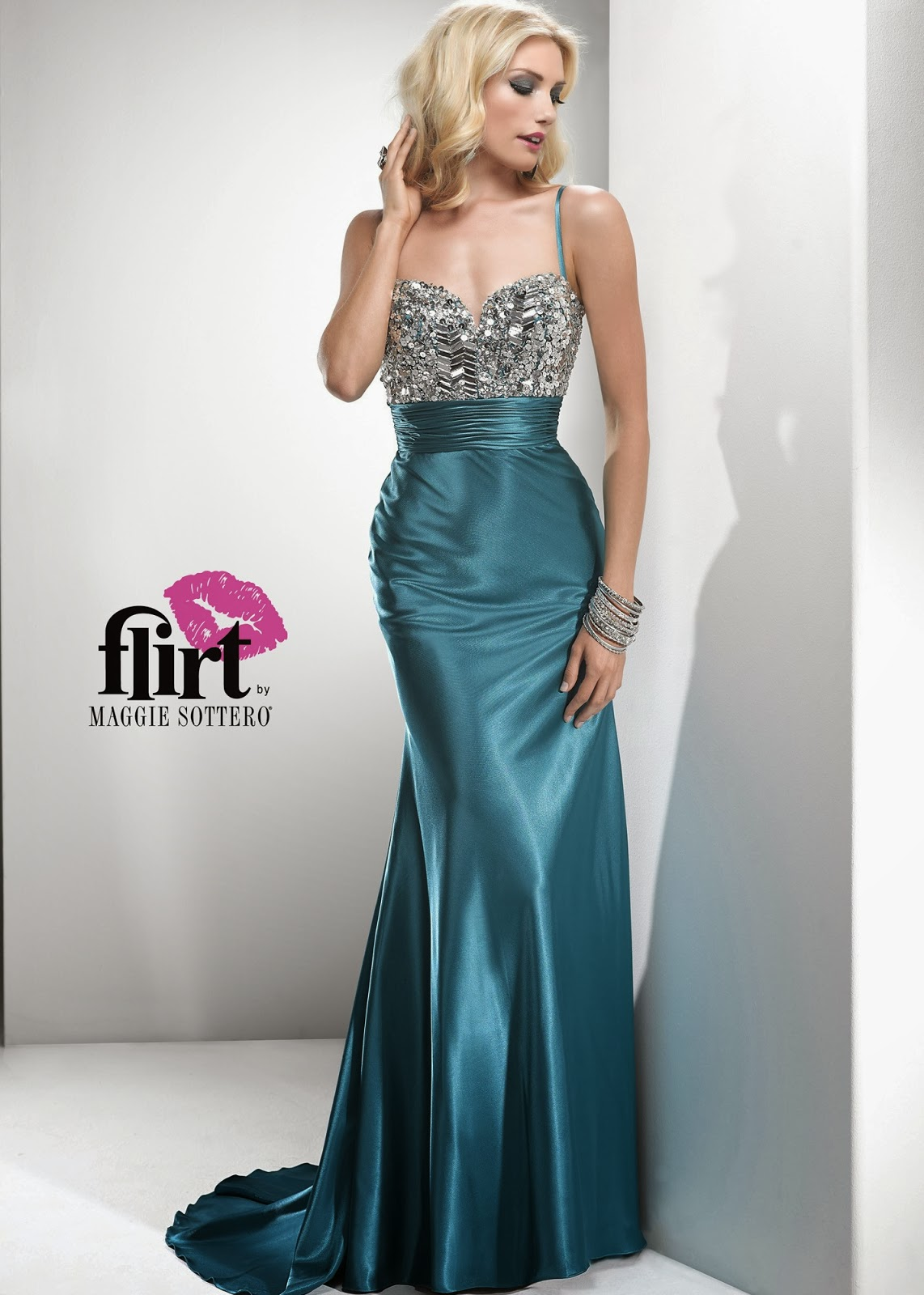 Fashion Salon - Canada\'s Fashion Blog: Hottest Prom Dresses for Spring