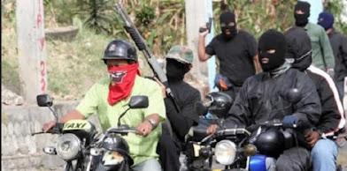 Colectivos oficialistas atacaron cabildo abierto en Maracaibo