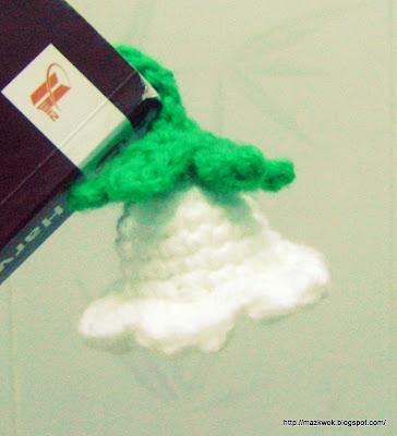 crochet bellflower bookmark