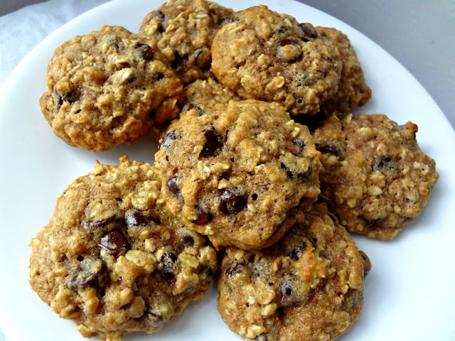 The Cooking Actress: Healthy Oatmeal Chocolate Chip Cookies