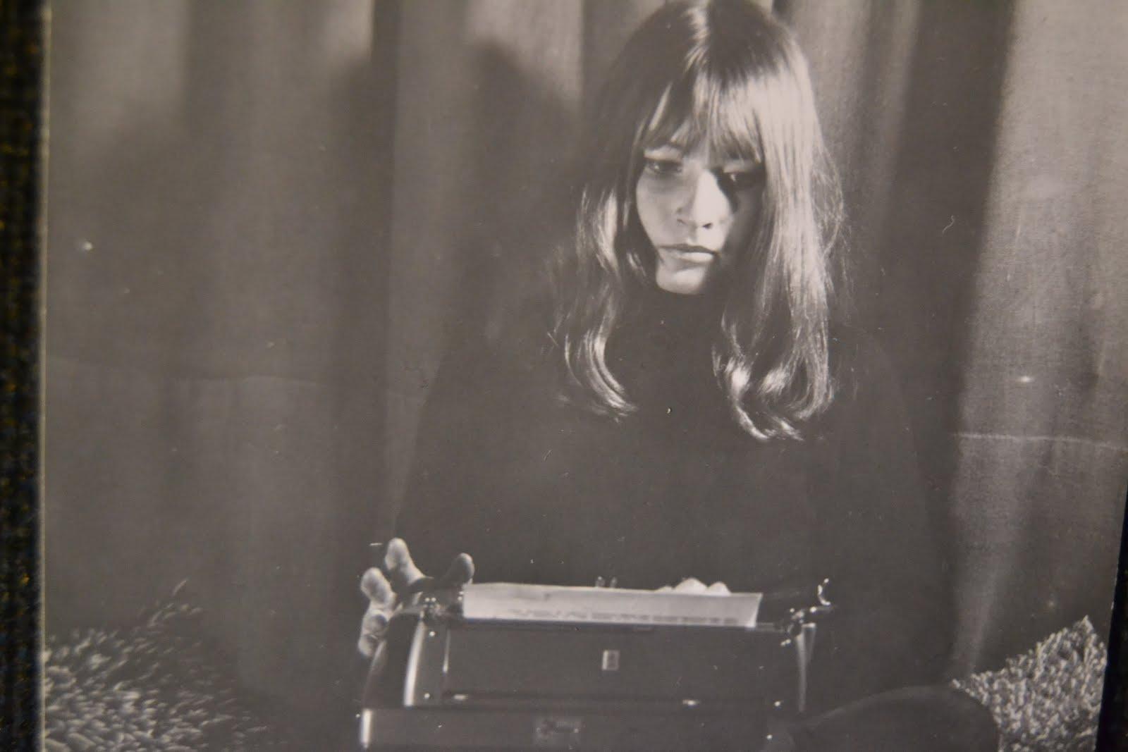 Marianne med pappas skrivmaskin 1967