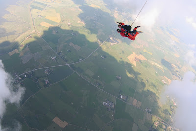 St. Peter-Ording: Fotos eines Tandem-Fallschirmabsprunges über dem ordinger Strand 24