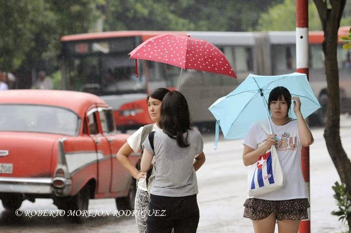 Persistente lluvia continúa cayendo en La Habana