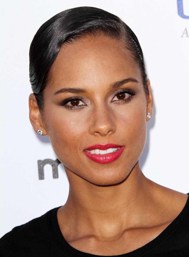 Alicia Keys HairStyles (Women HairStyles) - Women Hair ... Alicia Keys