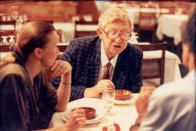 """Vassily Smyslov, comiendo en el """"Aquarium"""""""