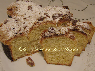 http://lacucinadianisja.blogspot.it/2012/04/la-colomba-delle-sorelle-simili-e-una.html