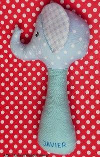 http://kosucas.blogspot.com.es/2014/01/tutorial-para-hacer-un-sonajero-elefante.html