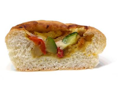 もっちり夏野菜カレー | VIE DE FRANCE(ヴィ・ド・フランス)