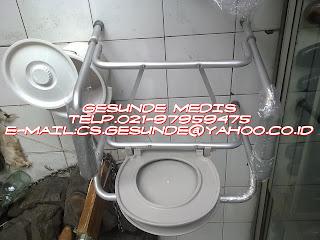 alat bantu medik berupa kursi pispot untuk buang air kecil dan besar