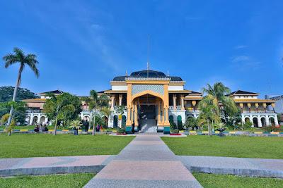 http://www.indonesia.travel/id/destination/676/istana-maimun