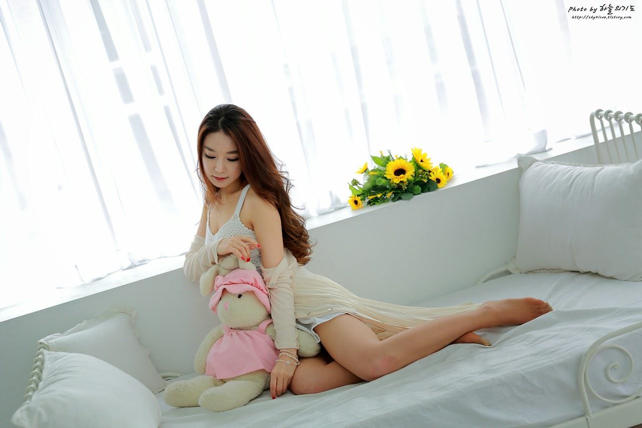 Lee Eun Seo Sexy Sleepwear