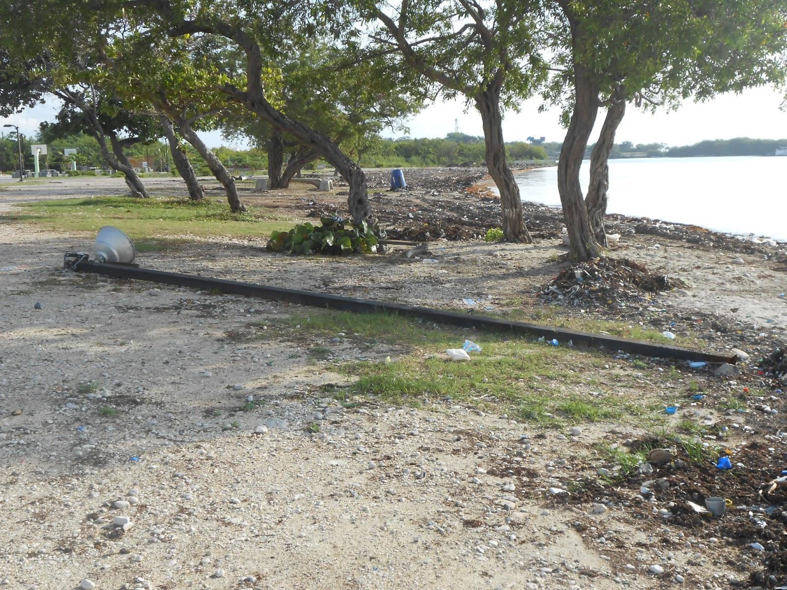 Cae poste de luz del parque litoral maria montez lleva - Parque suelo ...