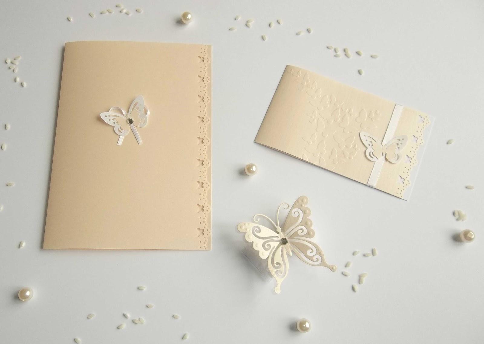 ... bombonira, con elegante farfalla color cipria, con punto luce bianco