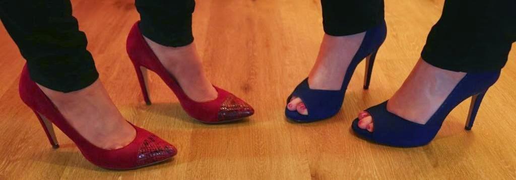 Parkettboden mit High Heels rot und lila