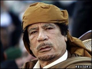 Gadafi insta a los libios a manifestarse pacíficamente contra el CNT